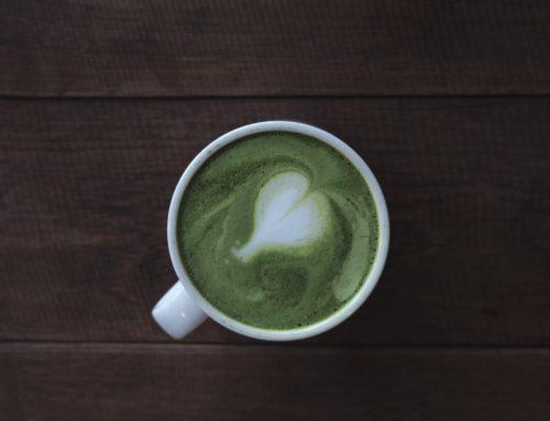 Uztura bagātinātājs: Zaļās tējas ekstrakts (Green tea extract). Kas tas ir un vai tas palīdz notievēt?
